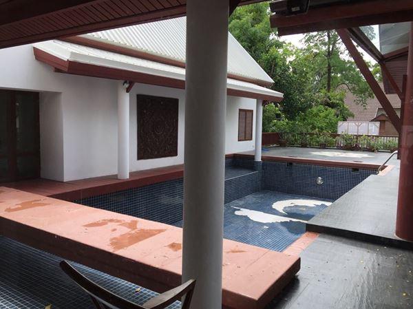 ขายบ้าน คฤหาสน์สุดหรู สไตล์ไทย พร้อมสระว่ายน้ำ ในโครงการนิชดาปาร์ค ในนิชดาธานี ปากเกร็ด นนทบุรี