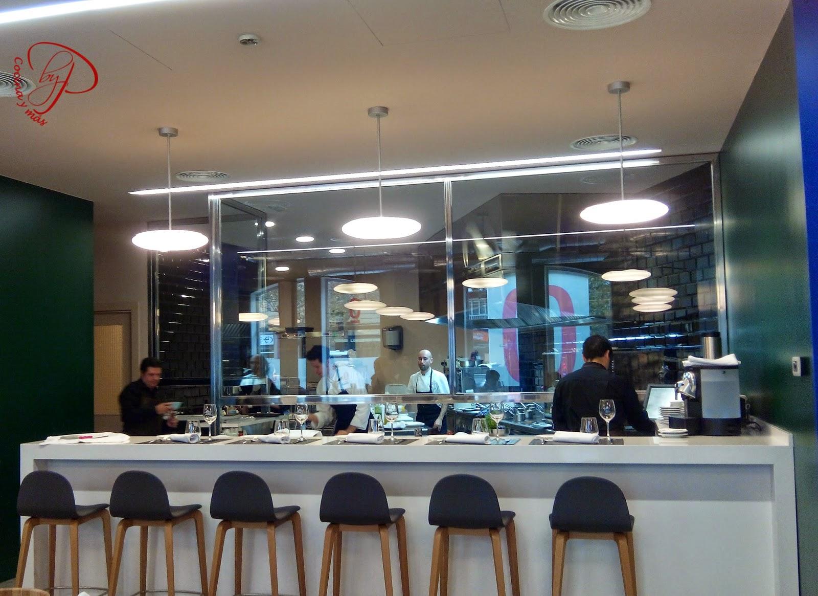 Cocina Y M S El Restaurante Quema O Donde Habita