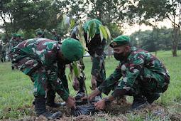 Inovasi Di Saat Pandemi Covid-19, Yonif 725/Woroagi Tanam Ribuan Bibit Pohon Durian