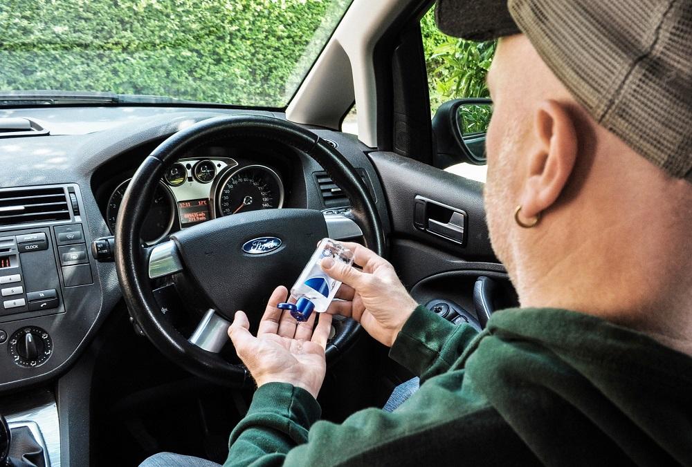 An tâm sát khuẩn tay bằng dung dịch khi đã có Ford bảo vệ nội thất xe của bạn