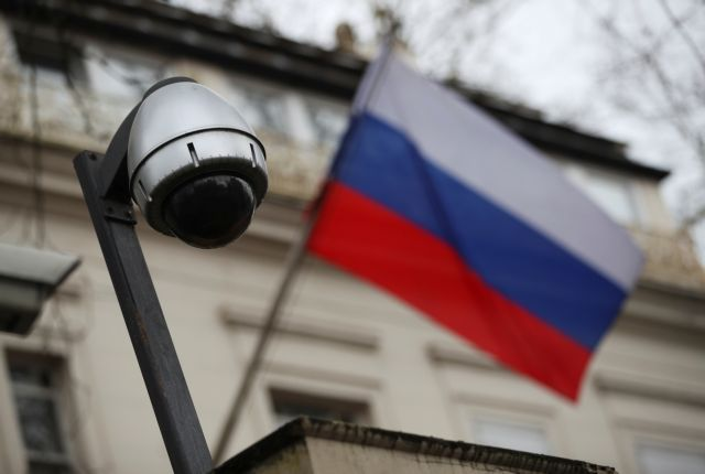 Κρεμλίνο: Ξένοι κατάσκοποι παρακολουθούν τους Ρώσους επιστήμονες