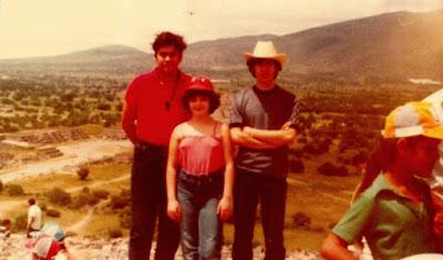 Francisco Javier Ochoa de Echagüen, Lara Francino y Juan Antonio Corral, San Juan Teotihuacán - 1981