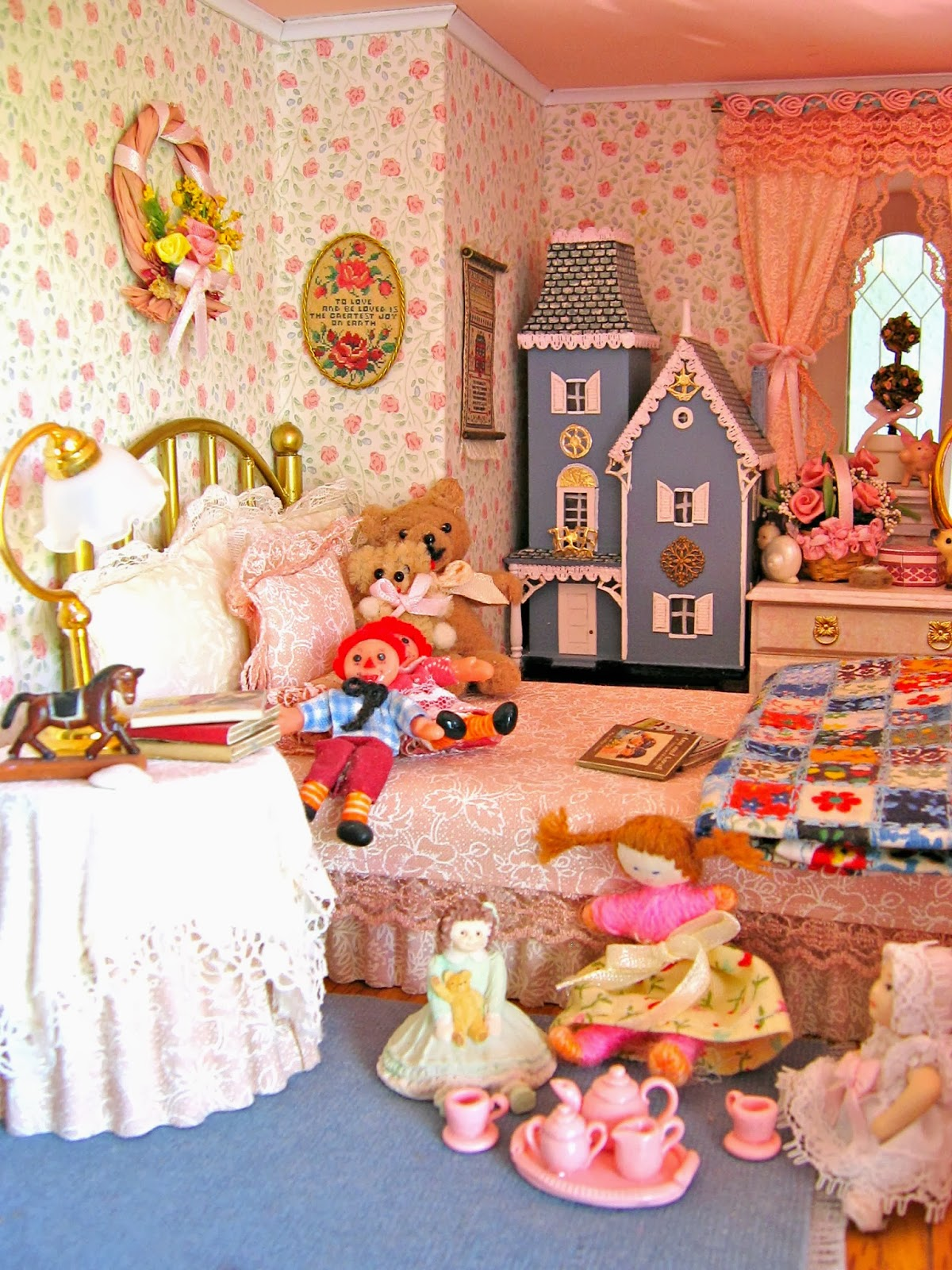 BluKatKraft: Victorian Dollhouse Miniature: Sewing ...