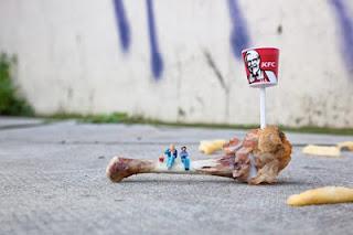"<img src=""http://www.estoyenlondres.com"" alt=""Miniaturas, evento de arte callejero en Londres"" />"