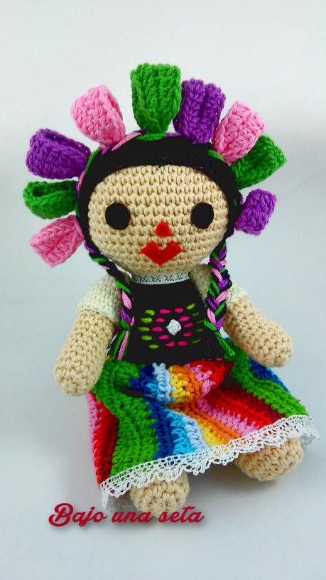 Bajo una seta: La muñeca mexicana María