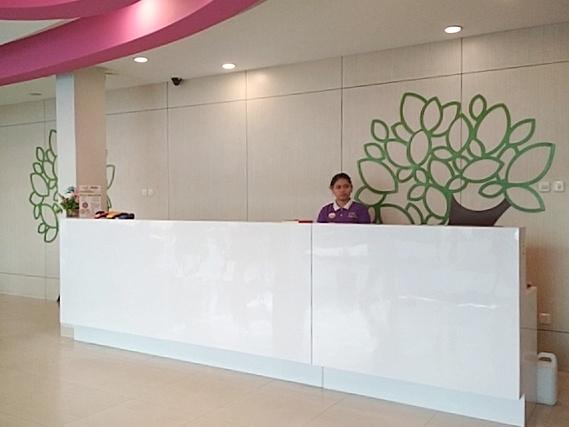 Lobby Area dan Reception Desk