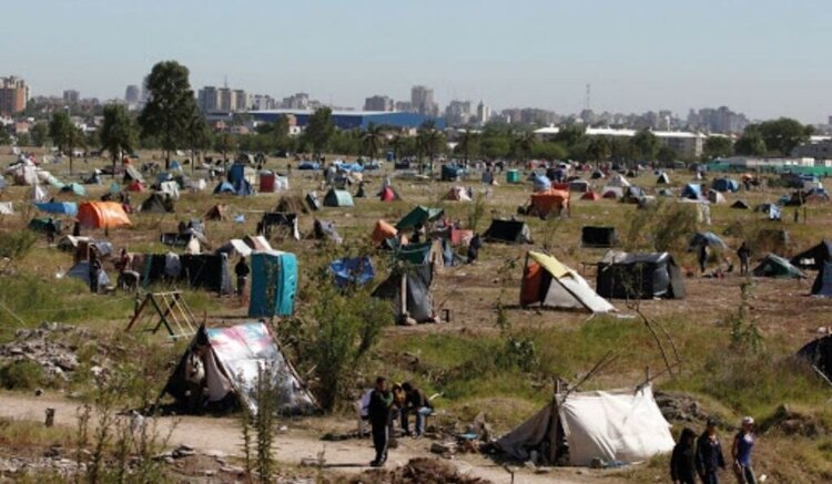 Terrenos usurpados, Justicia ordena desalojo en la provincia de Buenos Aires