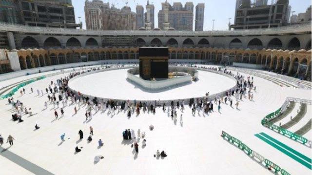 Calon Jamaah Menangis karena Tiga Kali Batal Berangkat Haji
