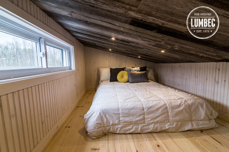18-Lumbec-Tiny-House-with-a-lot-of-Architectural-Character-www-designstack-co