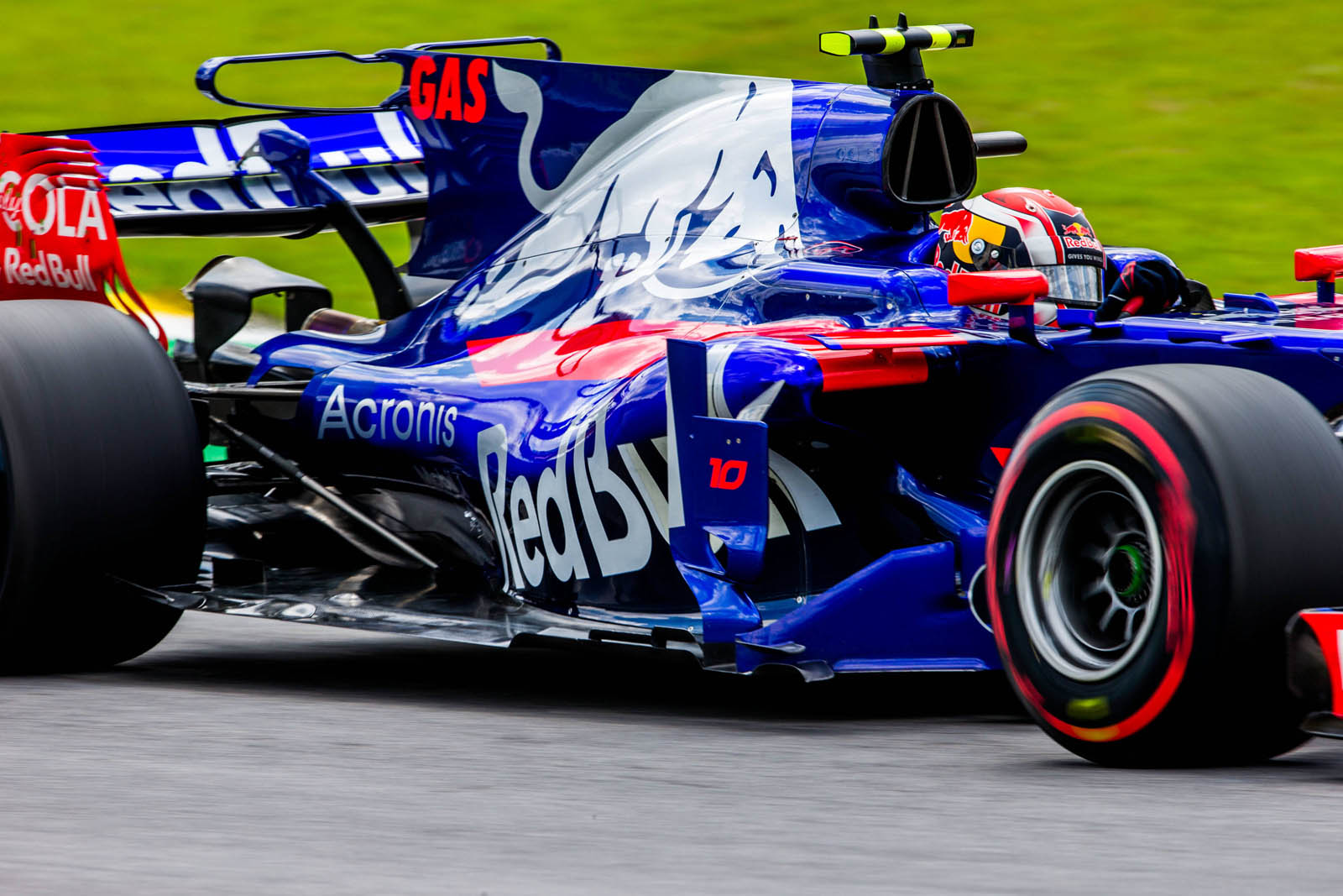 toro rosso goes with gasly hartley for 2018 carscoops. Black Bedroom Furniture Sets. Home Design Ideas