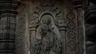 मंदिरांवरील कोरीवकाम