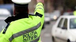 Polițiști din Calafat au reținut pentru 24 de ore un bărbat din Basarabi, bănuit de comiterea mai multor infracțiuni la regimul circulației rutiere