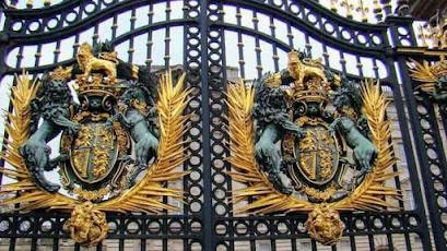 www.viajandoportodoelmundo.com  Lugares turísticos Palacio de Buckingham Londres Ingraterra