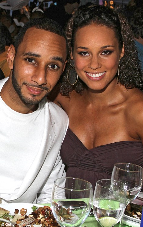 Hollywood All Stars: Alicia Keys with Husband Pics