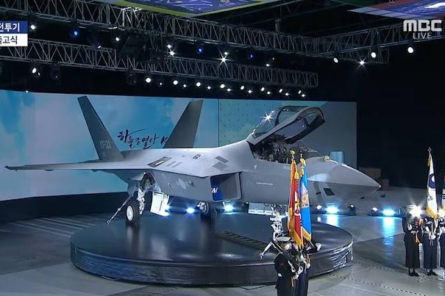 South Korea rolls out new KAI KF-21 Boramae advanced fighter jet