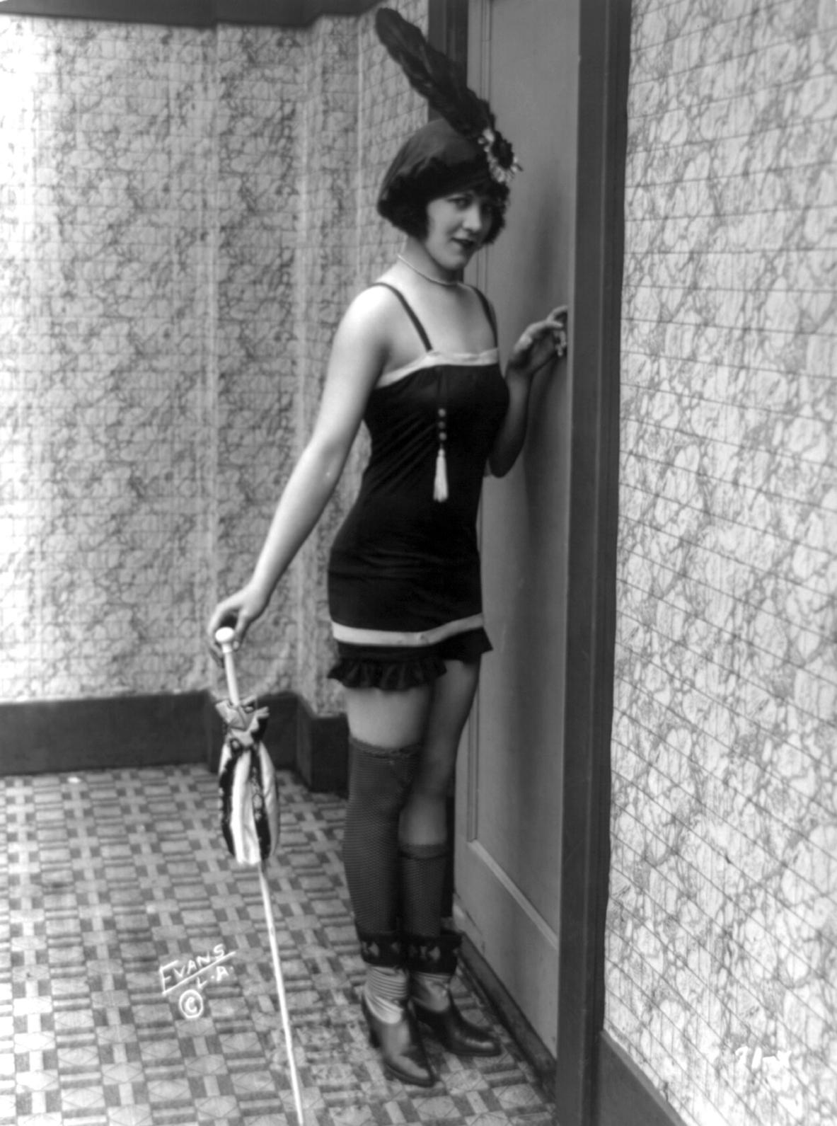The Beauties Our Princess Diana Fashion Article For 11: Verdoux: SENNETT'S BATHING BEAUTIES (c.1919