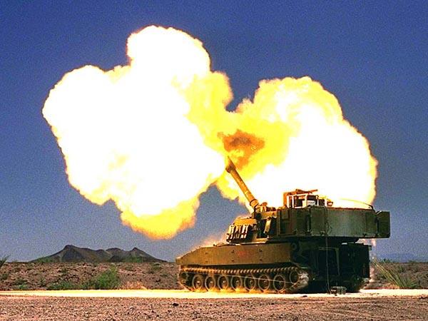 Pháo lựu Mỹ bắn tên lửa hành trình