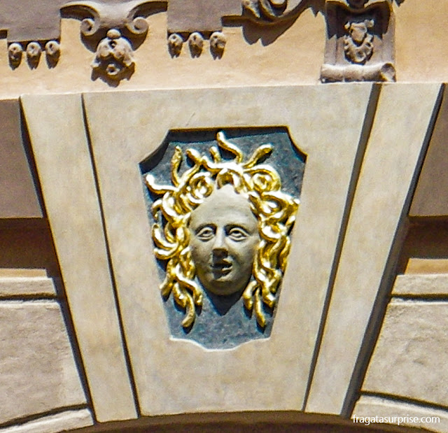 Fachada no Centro Histórico de Praga