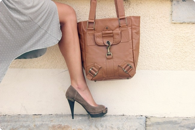 caramel beige tote with bronze hardware