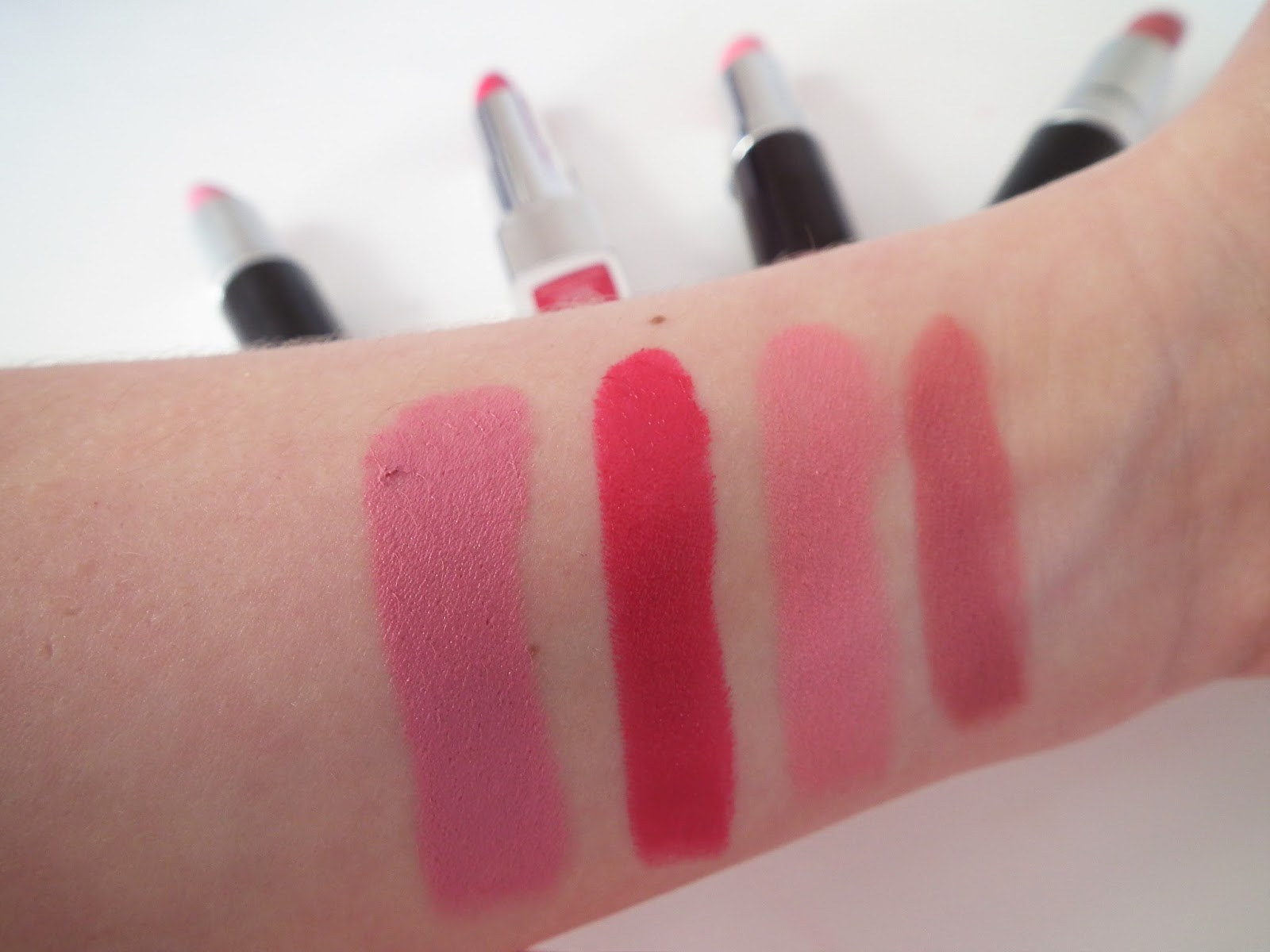 Spring Go To Lipsticks Swatches Mac - Snob, Rimmel - As You Want Victoria, Rimmel - Pink Blush, Mac - Brave