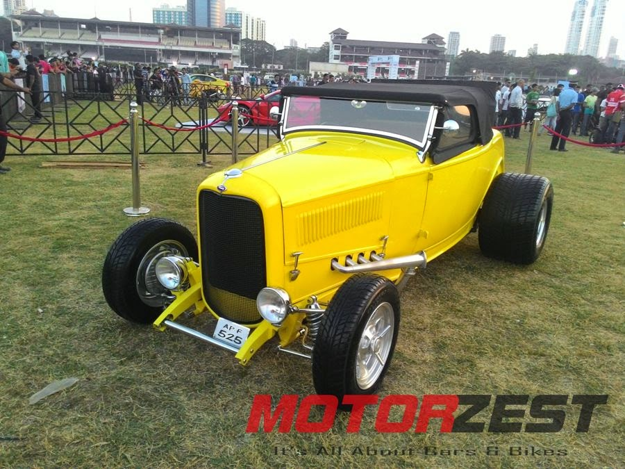Vintage Supercar at 2015 Parx Super Car Show in Mumbai