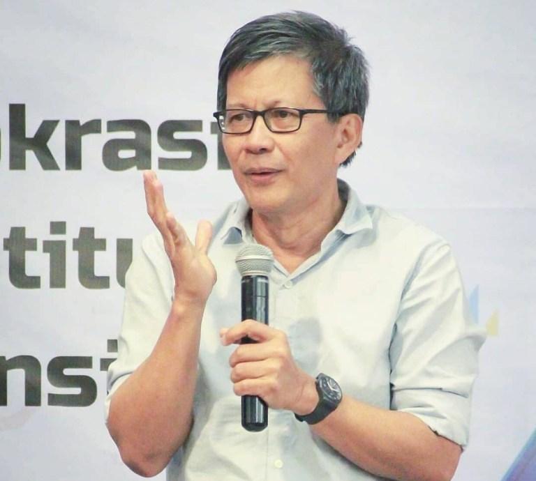 Bicara Survei, Rocky Gerung: Anak Muda Tak Tahu Habib Rizieq Dianiaya Rezim!