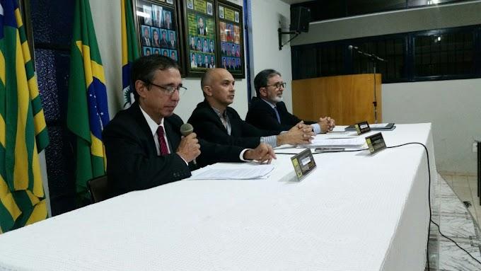 Prefeito João Messias participa de sessão solene na Câmara