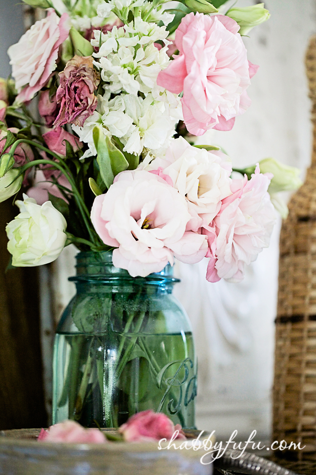 mason jar with lisianthus