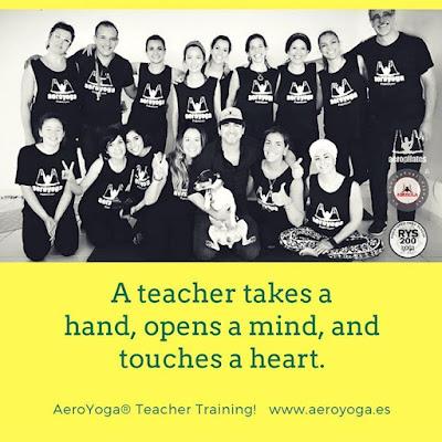 yoga aereo, aeroyoga, aerial yoga, yoga, pilates, fitness, deporte, columpio, trapeze, gravity, coaching, anti, age, teacher training, puerto rico