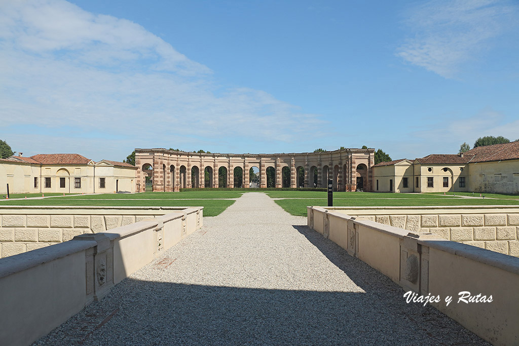 Exedra del Palacio Te, Mantua