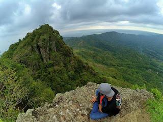 Puncak Gunung Budeg
