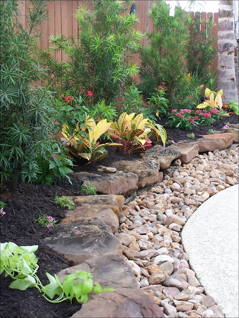 backyard landscaping idea for Rocky levels
