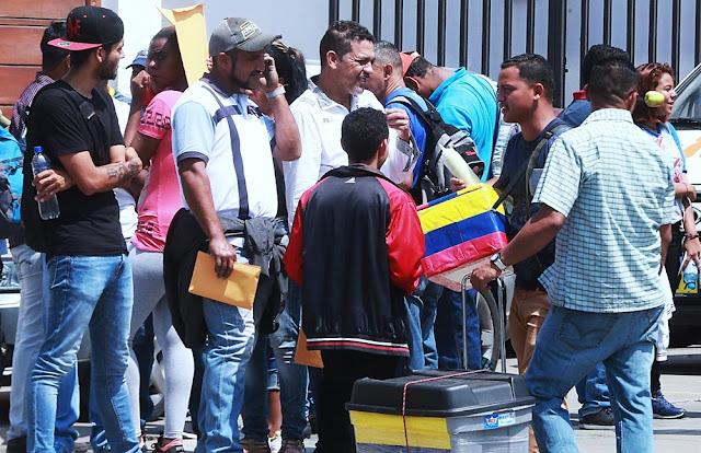 Vendedores venezolanos en Lima