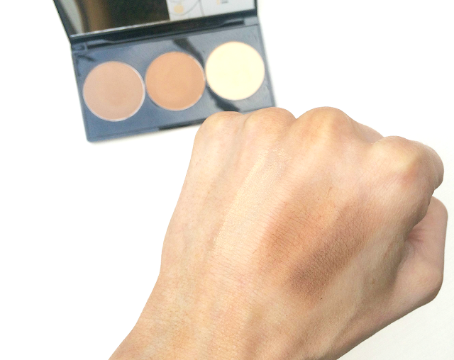 The Smashbox Step- by - Step Contour Kit Swatch