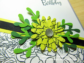 Birthday Card made with Stampin'UP!'s Breathtaking Bouquet stamp set, medium Daisy Punch and Sprig Punch