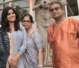 Sayantani Ghosh with her parents
