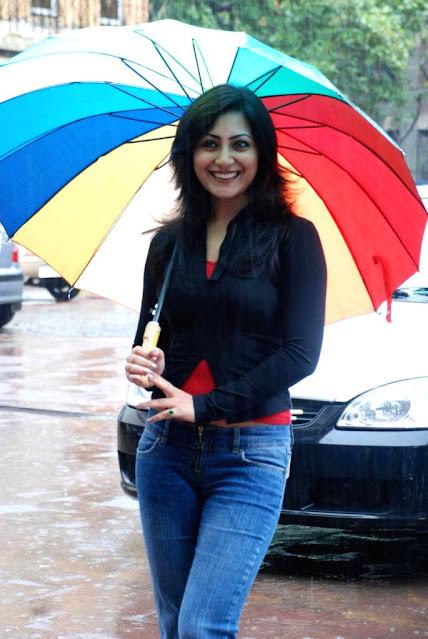 Actress Rimi Sen Hot Photo Gallery Navel Queens