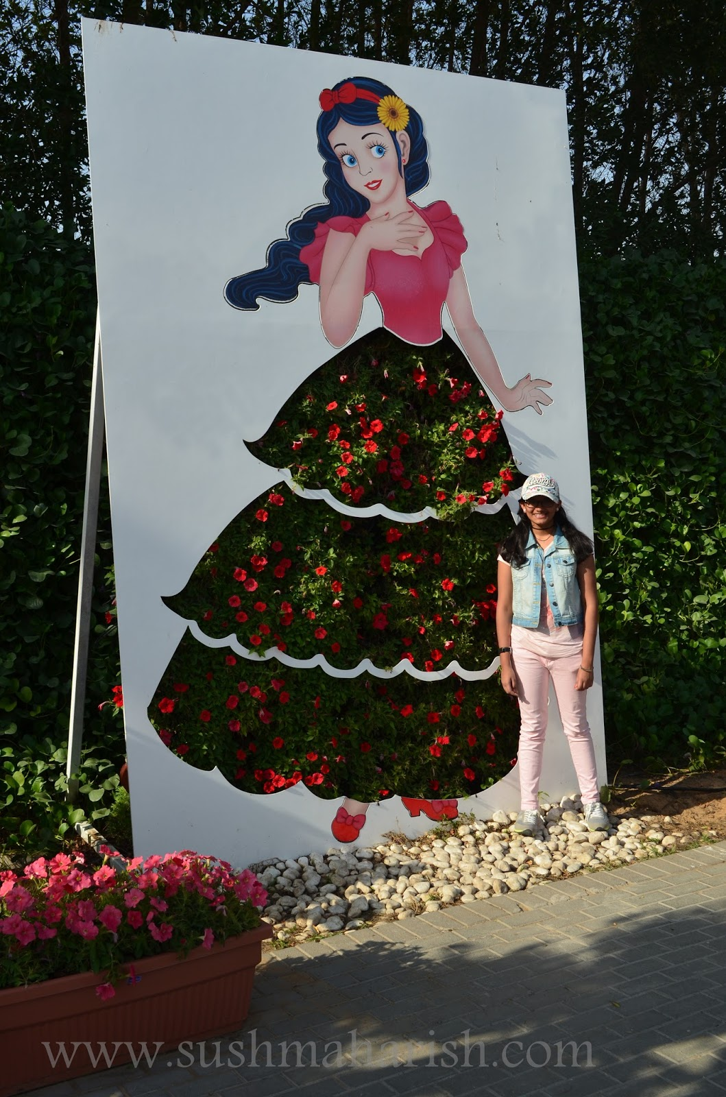 Exploring Beyond The Skyscrapers. Largest Flower Garden Of The World - Miracle Garden Dubai. 32