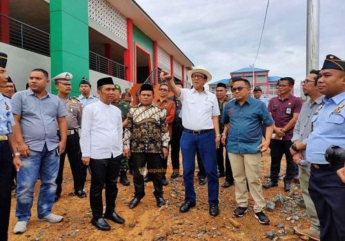 Menteri Hukum dan Hak Asasi Manusia (Menkum HAM) RI, Yasonna Laoly mengunjungi Kabupaten Tanah Bumbu