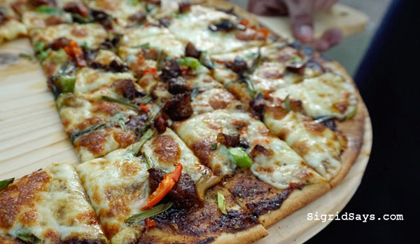 spicy pork pizza- Punong Gary's Place - Silay City restaurants - Bacolod blogger - Silay restaurants - Negros Occidental - Punong Gary's Place menu - Punong Gary's Place location - destination restaurant - destination dining - Silay airbnb