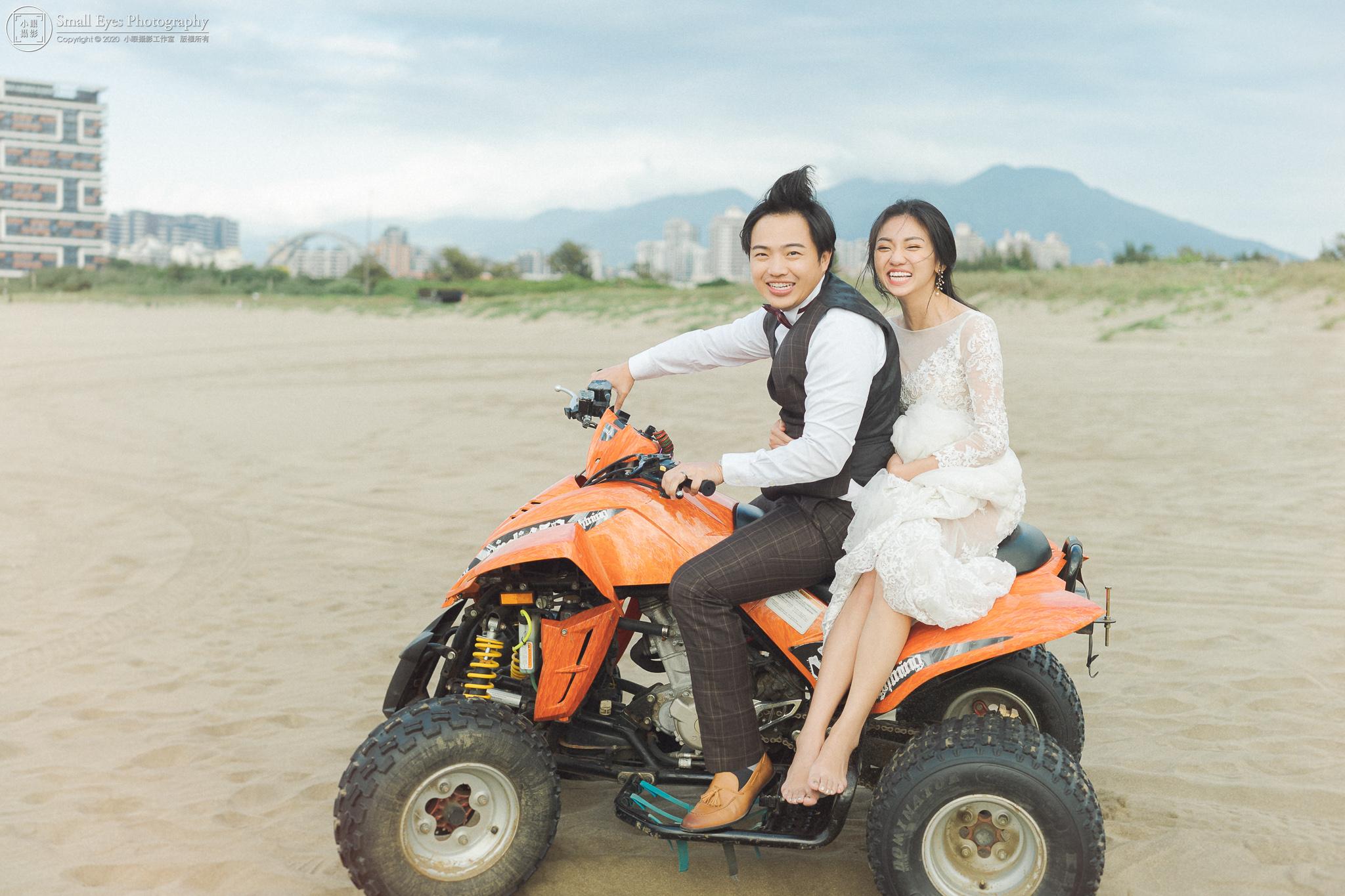 小眼攝影,婚紗攝影,婚攝,吉兒婚紗,新秘瓜瓜,自助婚紗,自主婚紗,台灣,台北,北海岸,沙灘車