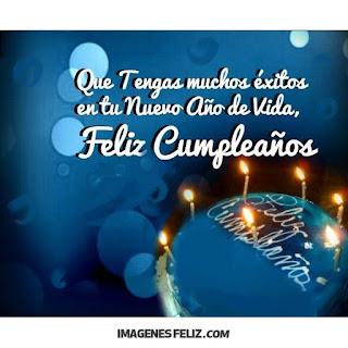 Feliz Cumpleaños Hombres. Exitos en tu nuevo año de vida. Foto de pastel azul con velas