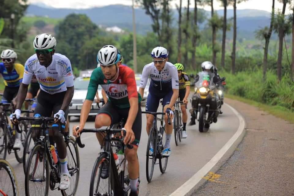 طواف رواندا لدراجات : لعقاب عز الدين في المركز 32 في المرحلة الثالثة