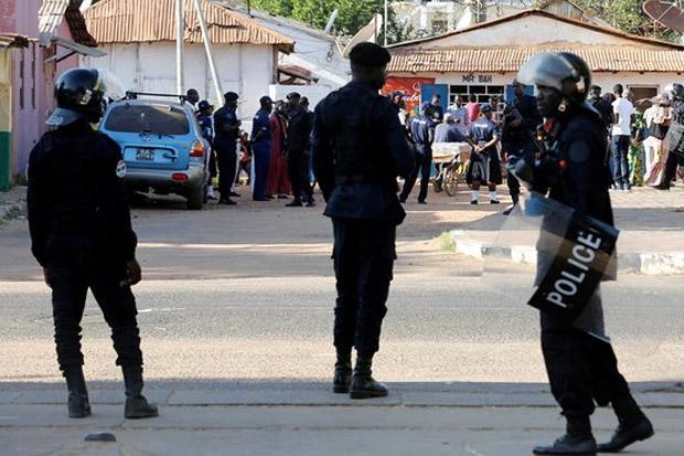 Situasi Gambia Memanas, Tentara Dikerahkan