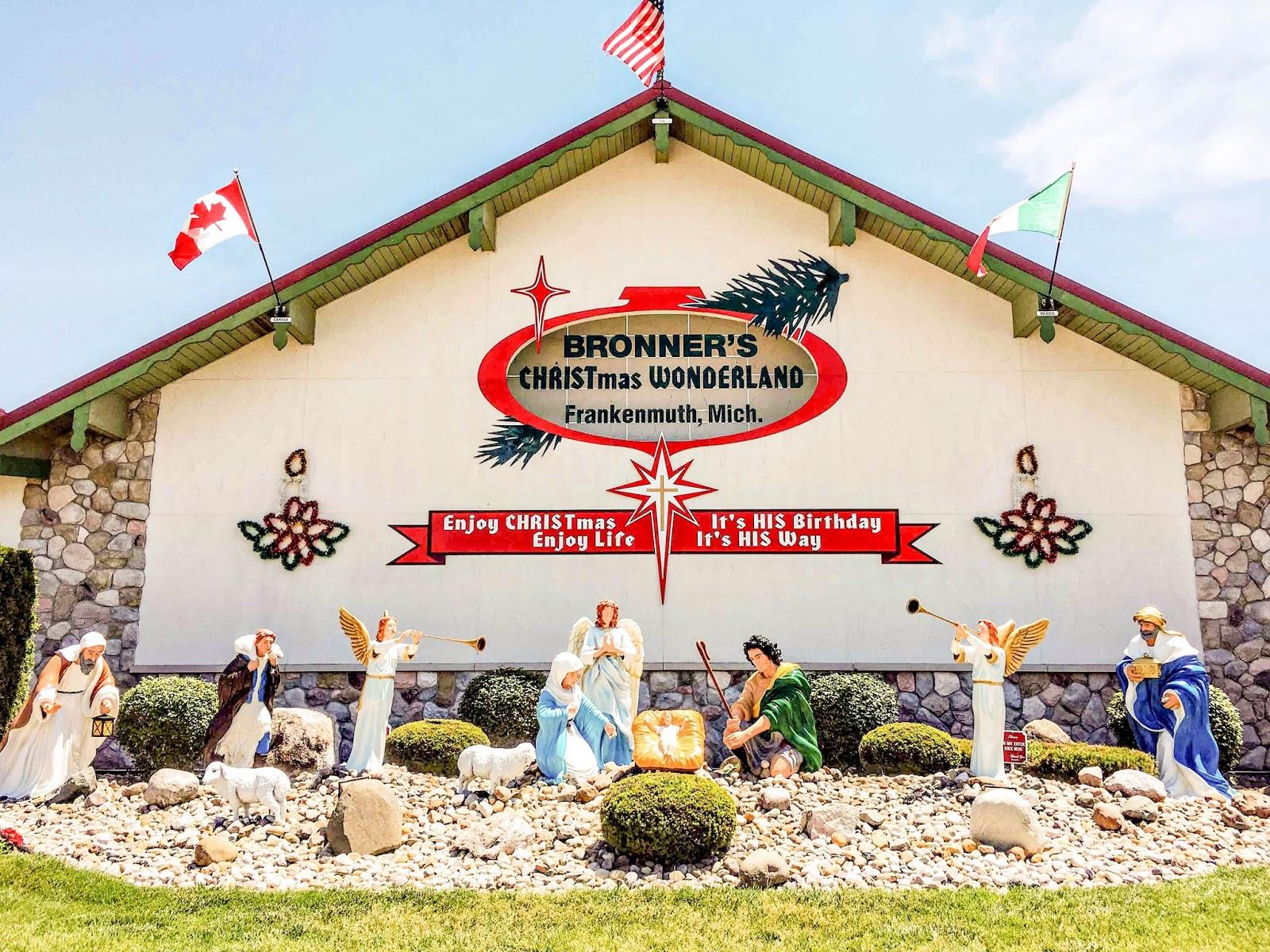 bronners christmas store