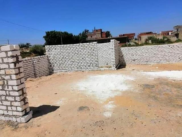 إزالة حالة تعدي على أرض زراعية بمساحة ١١٠ م٢ بمركز ومدينة أبو المطامير .