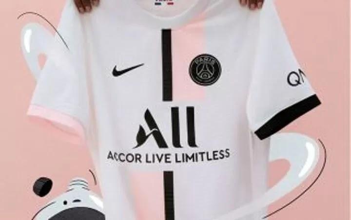 Paris Saint-Germain drop their brand-new 2021/22 Nike away kit