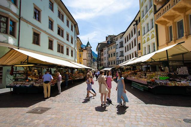 Piazza delle erbe-Bolzano