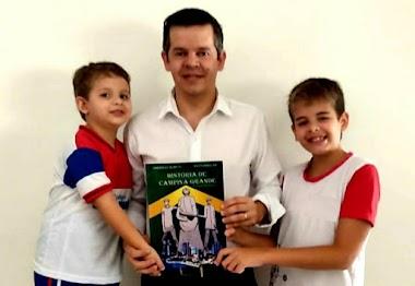Rubens pede que livro sobre a História de Campina seja disponibilizado nas escolas e bibliotecas municipais