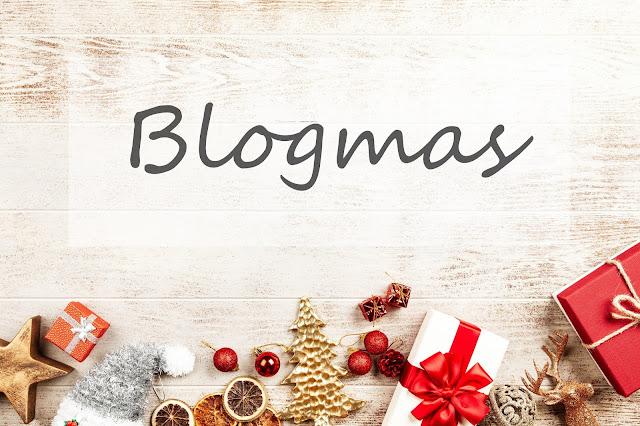 BLOGMAS, dzień 1. Osiem lat blogowania. *Policzyłam moje wszystkie lakiery*